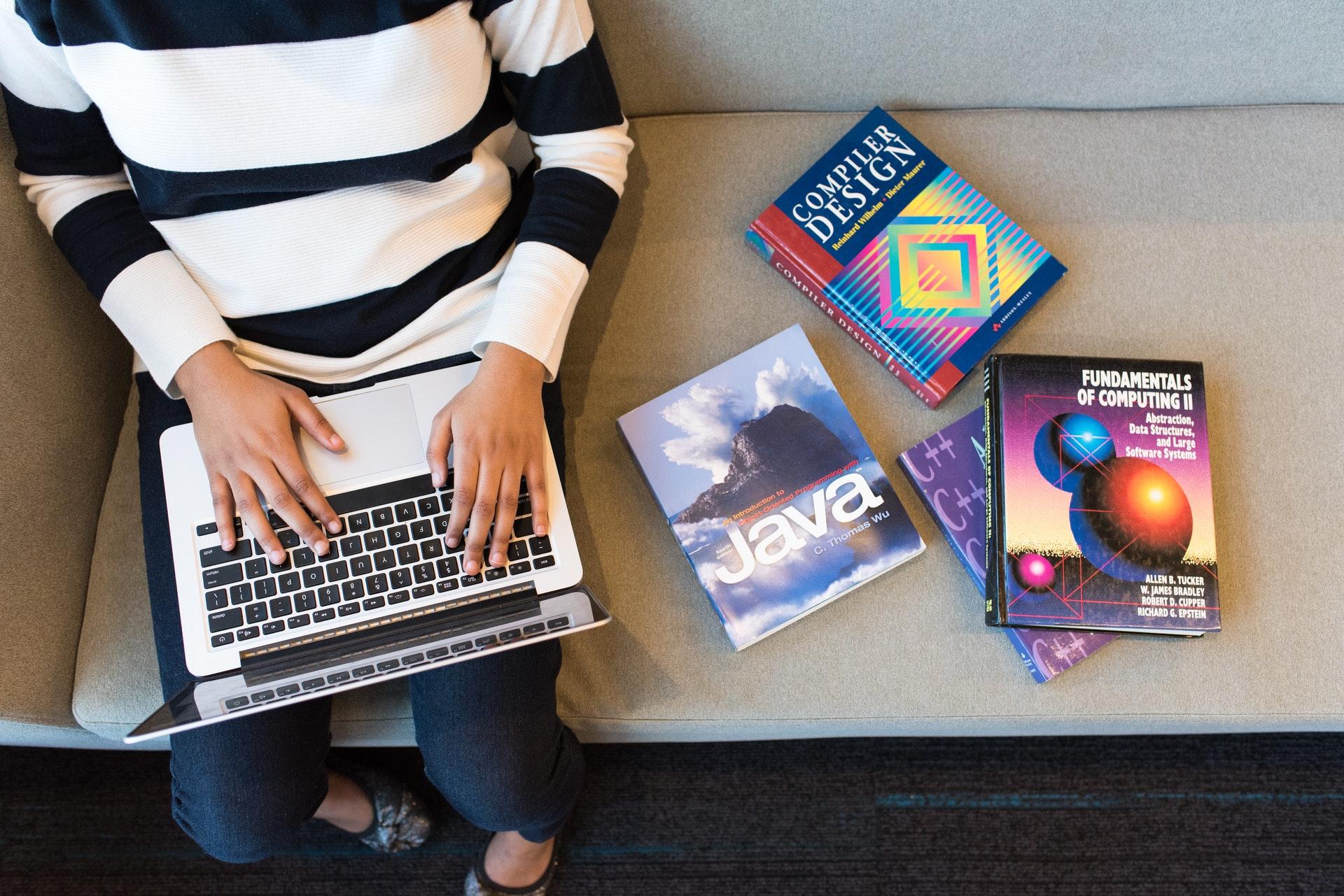 Jakich języków programowania warto zacząć się uczyć w 2020?